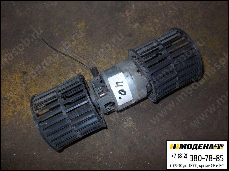 запчасти iveco Электродвигатель (с вентилятором) печки кабины 24V 100W  98418120