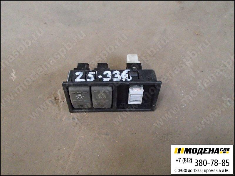 запчасти iveco Накладка декоративная с выключателями  4858576