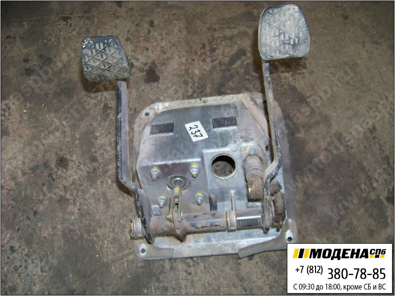 запчасти mercedes Блок педалей сцепление-тормоз  44312205