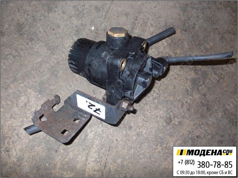 запчасти mercedes Клапан ускорительный тормозной системы  A0044296244
