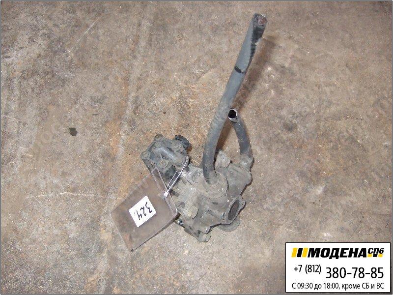 запчасти mercedes Клапан ускорительный тормозной системы  Wabco 4750200050