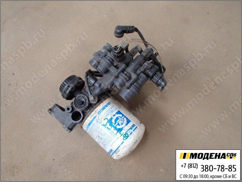 запчасти mercedes Клапан защитный четырехконтурный с осушителем воздуха в сборе  Knorr-Bremse LA9001