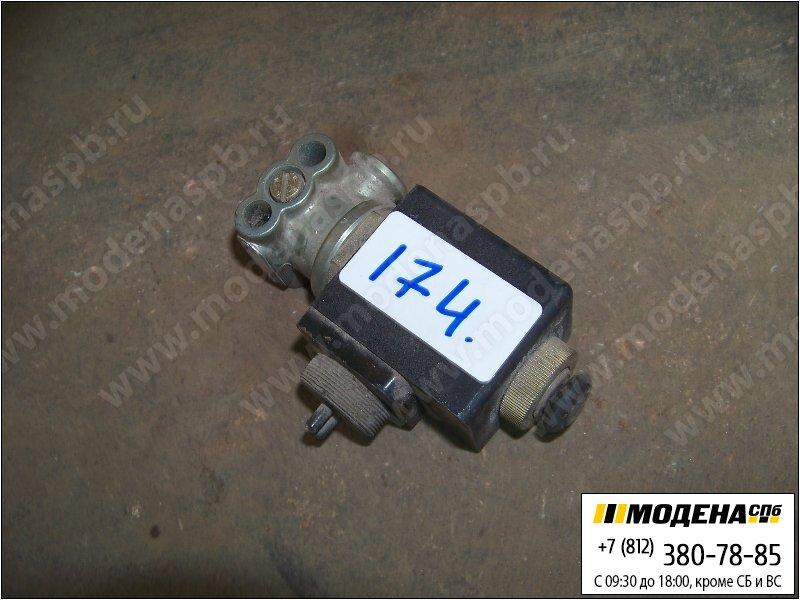 запчасти renault Магнитный клапан  Wabco 4721261080