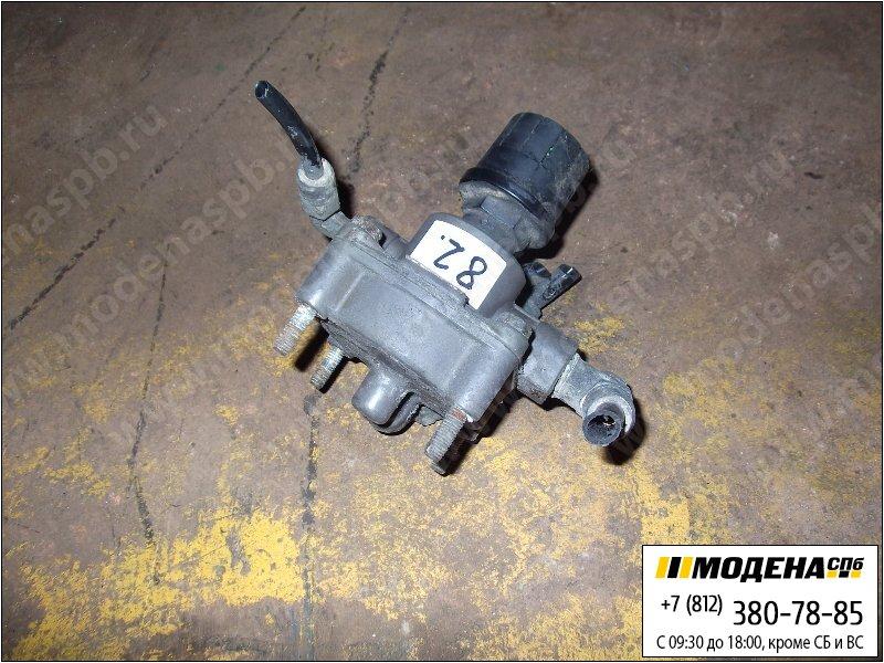 запчасти scania Клапан тормозной ускорительный  Bosch 0481026027