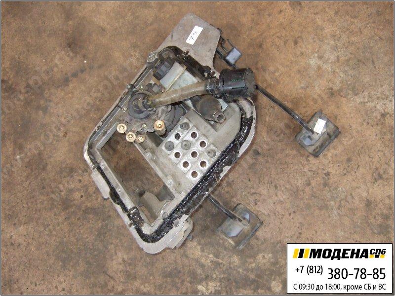 запчасти volvo Блок педалей сцепление-тормоз в сборе с тормозным краном  20456400