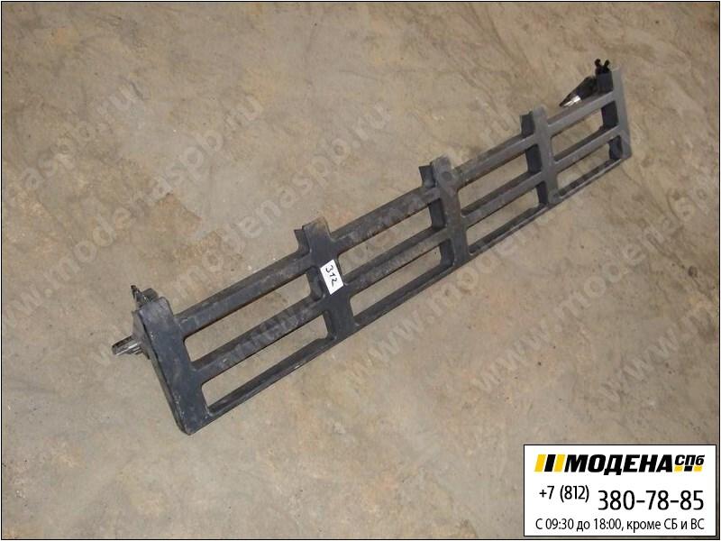 запчасти volvo Облицовочная решетка-подножка (металл.)